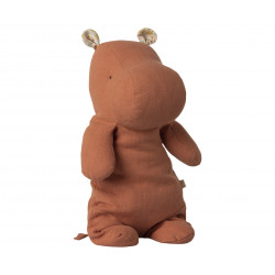 Doudou en lin hippopotame corail de la marque maileg-detail