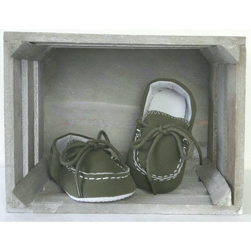 Chaussures bébé style mocassins effet daim couleur kaki